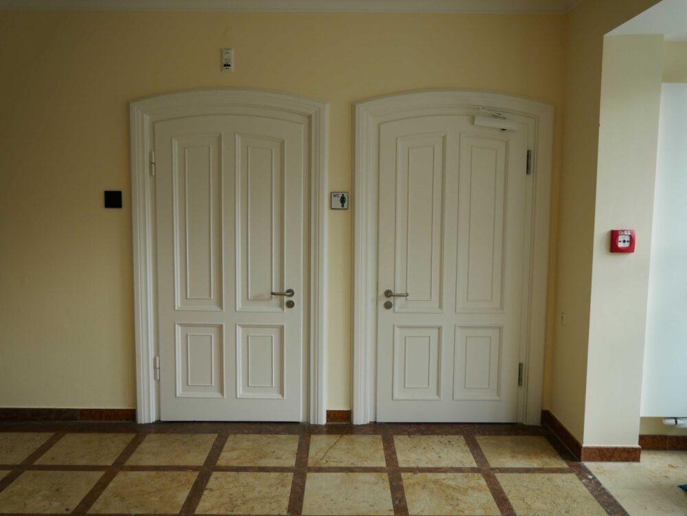 neue und alte Türen