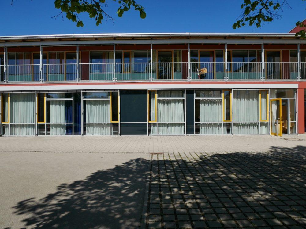 Fassade Nordflügel mit Laubengang