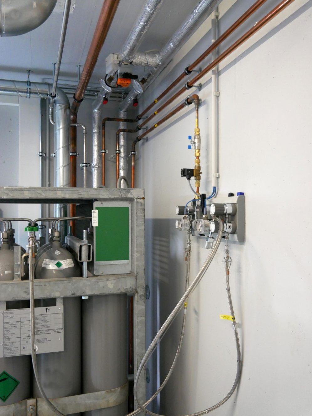 Rohre in der zentralen Gasversorgung